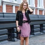 Outfit: Altrosa, schwarze Spitze, Gucci & Chanel