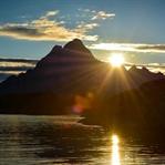 Unter dem Berg Vågakallen