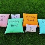 Yazlık ve Bahçelere Rengarenk Yastık Önerileri