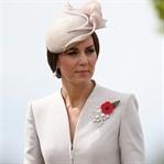 Kate Middleton: Catherine Walker Manto Elbise