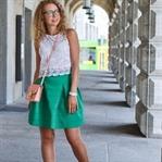 Outfit: Weiße Spitze und Grüner Rock
