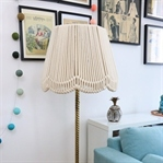 Stehlampe mit Seil-Lampenschirm
