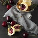 Ziegenkäse-Küchlein mit Kirschen und Salbei