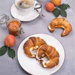 Croissants mit Ricotta & Marillenmarmelade