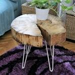 DIY Tischchen aus einer Holzscheibe
