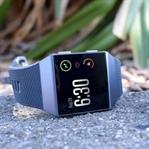 Fitbit Ionic akıllı saat spor yaparken yanınızda!