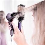 Föhnen, Glätten, Bürsten – 5 Haarstyling Sünden