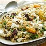 Quinoa-Salat mit Rote Bete und Feta