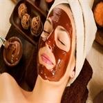 Yüzü güzelleştiren çikolata maskesi nasıl yapılır?