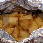 Kamp Ateşinde Patates Bohçaları