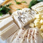 Peynir tüketimi kemik erimesi riskini azaltır mı?
