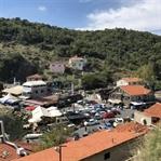 Bir Garip Köy Garipçe