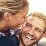 Eşleri para kazanan erkekler daha mutlu
