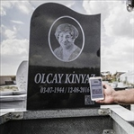Karekodlu Mezar Taşı Üretti, Avrupa'ya İhraç Etti