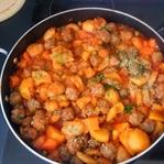 Misket köfteli sebze yemeği nasıl yapılır?