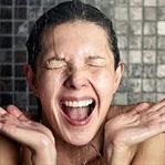 Sık duş almak cilt kuruluğuna neden oluyor