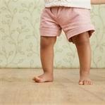Çocuğunuzun sevimli yürüyüşü hastalık olabilir