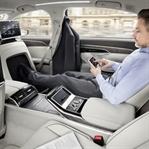 Audi A8'in Kontrolleri Parmakların Ucunda