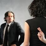 Küçük yaşta yalan söyleyen eşini de aldatıyor