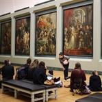 Louvre Müzesi'nde Kayboluş