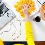 Ofiste yanlış beslenme kiloyu beraberinde getiriyo