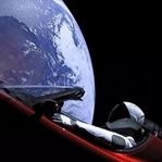 Uzayda Gezen Bir Araba: Tesla Roadster