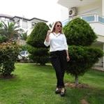Beyaz Bluz ve Puantiye