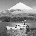 1951'de Deniz ve Karada Giden Araç İle Dünya Turu!