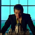 Arctic Monkeys 'Four Out of Five' Parçasına Klip