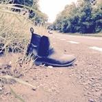 Bir Köhne Ayakkabının İntihar Masalı