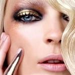 Yeni Trend: Metalik Göz Makyajı