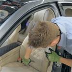 Fenomen baba oğul Mercedes'in koltuğunu kesti