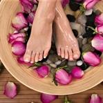 Şişmiş ayaklarınızı nane yağı ile serinletin