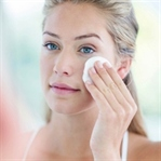 Makyajınızı temizlerken bu 5 önemli noktayı bilin!