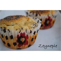 Labne Peynirli Haşhaşlı Muffin