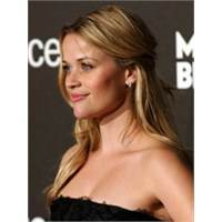 Reese Witherspoon'un Saç Modelleri