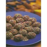 Pratik Ve Kolay Çikolatalı Toplar
