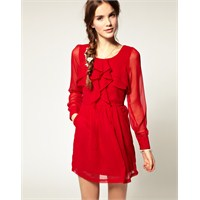 Bir Sevgililer Günü Klasiği; Kırmızı Elbiseler