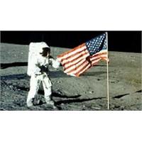 Neil Armstrong, Nasa'ya Verdi Veriştirdi