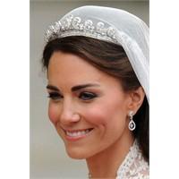İşte Beklenen Düğün... Kate'in Tacı Kraliçeden...