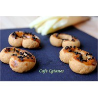 Çörek Otlu Tuzlu Pastane Kurabiyesi