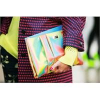 Sokak Modasında Trendi Çantalar