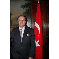 Amerıka Göçmenlik Onur Madalyası Alan Türk