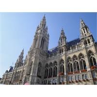 Viyana: Muhteşem Mimarisi Ve Gözde Kafeleri