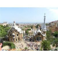 Gaudi'nin İzinde Barcelona