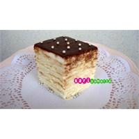 6 Katlı Pasta ©sariyumurta