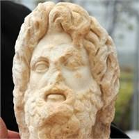Leodikya Tanrısı'nın Baş Kısmı Bulundu