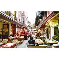Keşfi Gecikmiş Yer: Fransız Sokağı
