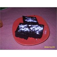 Enfes Kakaolu Pudingli Kek