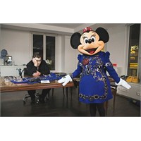 Minnie Mouse'un Lanvin Stüdyosunda Ne İşi Var?